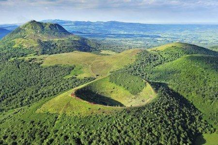 مقاطعة أوفرن في الريف الفرنسي