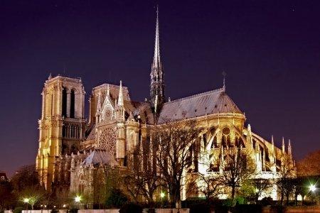 كنيسة نوتردام في مدينة ديجون فرنسا