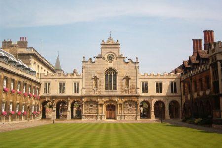 جامعة كامبريدج في المملكة المتحدة