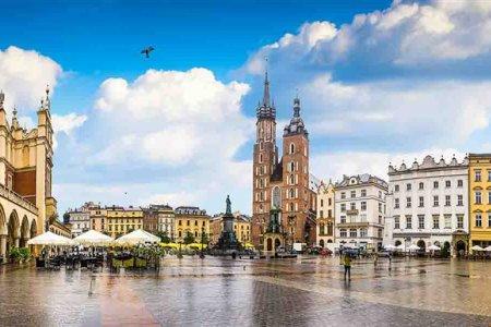 الميدان الرئيسي في مدينة كراكوف - بولندا
