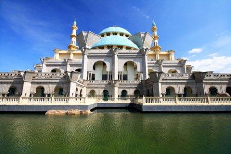 مسجد ولاية في كوالالمبور ماليزيا