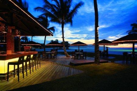 شاطئ تانجونغ أرو