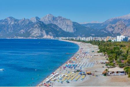 شاطئ كونيالتي - Konyaalti في أنطاليا