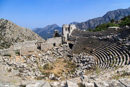 أثار ترمسوس في أنطاليا تركيا