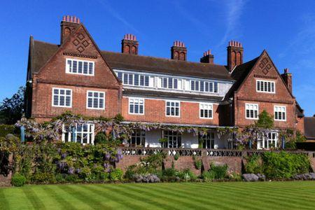 بيت وحديقة ينتربورن - Winterbourne