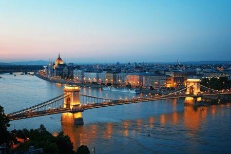 جسر السلسلة في بودابست