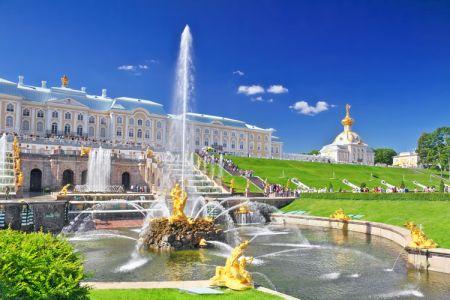 قصر وحديقة بيترهوف