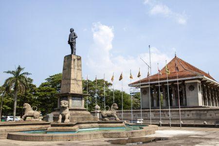 ساحة الاستقلال في كولومبو - سريلانكا