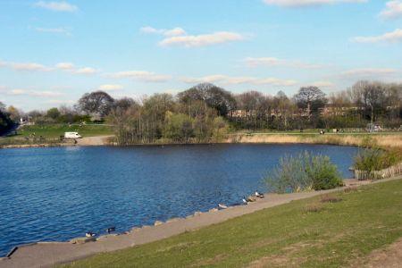 منتزه كارلتون ووتر بارك المائي - Chorlton Water Park