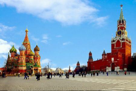 الميدان الأحمر أو الساحة الحمراء في موسكو