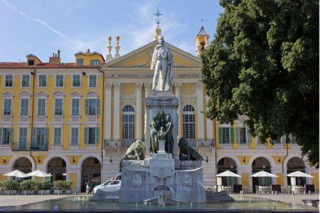 ميدان غاريبالدي Garibaldi في نيس
