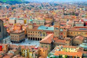 دليل السياحة في بولونيا - إيطاليا