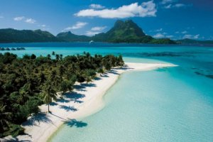 السياحة في إندونيسيا