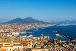 السياحة في نابولي
