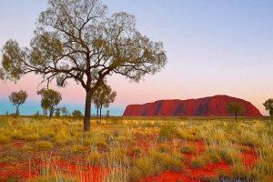 صخور أولورو في أستراليا