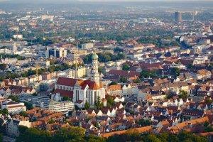 لقطة جوية لمدينة اوغسبورغ ألمانيا