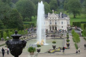 قصر ليندرهوف في ألمانيا