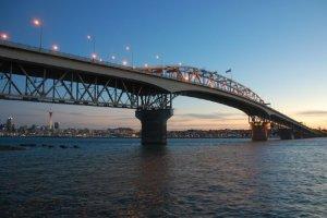 جسر ميناء أوكلاند