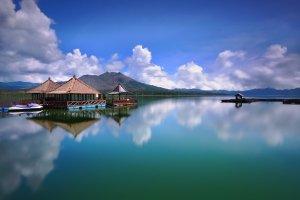 جمال الطبيعة في بحيرة باتور