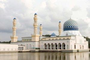 مسجد أحمد قديروف في إندونيسيا