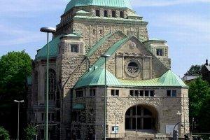 الكنيسة القديمة