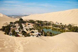 واحة هواكاشينا في بيرو