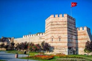 متحف قلعة الابراج السبعة في اسطنبول