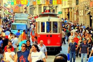 شارع الاستقلال في اسطنبول