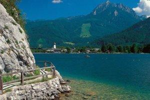 بحيرة وولف غانغ سي في النمسا