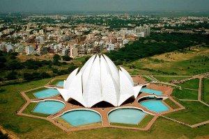 معبد اللوتس في نيودلهي بالهند