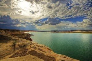 بحيرة باول في ولاية أريزونا الأمريكية
