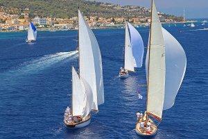 جولة في جزيرة سبيتسيس اليونانية
