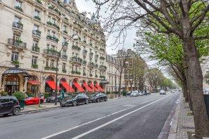شارع مونتين في باريس