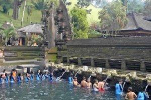معبد تيرتا إمبول .. معبد الجبل المقدس في بالي