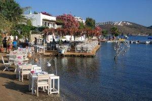 مقاهي قرية جوموسلوك السياحية
