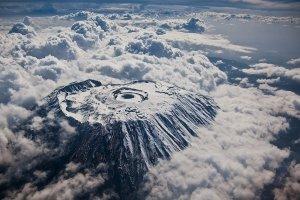 جبل كليمنجارو من الاعلى