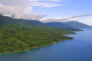 المناظر الطبيعية لبحيرة تنجانيقا