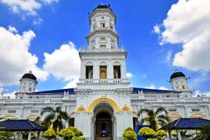 مسجد السلطان أبي بكر في جوهور بارو - ماليزيا