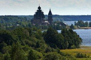 مدينة كيجي الملقبة بمدينة الكنائس الخشبية في روسيا