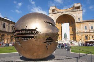متاحف الفاتيكان في روما
