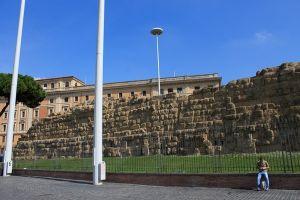 الجدار السرفياني في روما - إيطاليا