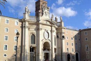 كنيسة سانتا كروتش في روما - إيطاليا