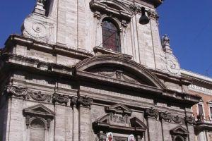 كنيسة ماريا دي فيكتوريا في روما - إيطاليا