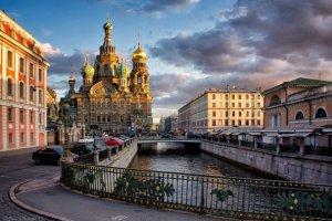 إطلالة على مدينة سانت بطرسبرغ