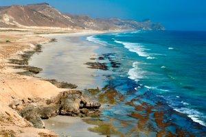 شاطئ المغسيل في صلالة