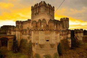 قلعة الكوكا أجمل قلاع اسبانيا