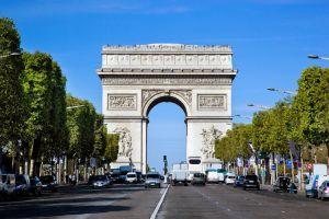 شارع الشانزليزيه في باريس