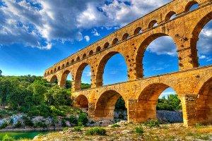 جسر بونت دي غار في فرنسا