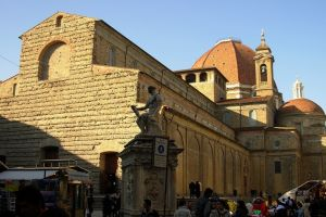 كنيسة القديس لورينزو في فلورنسا