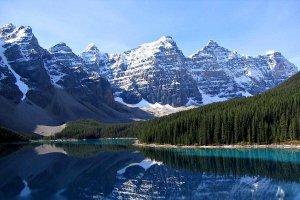 جبال روكي في كندا